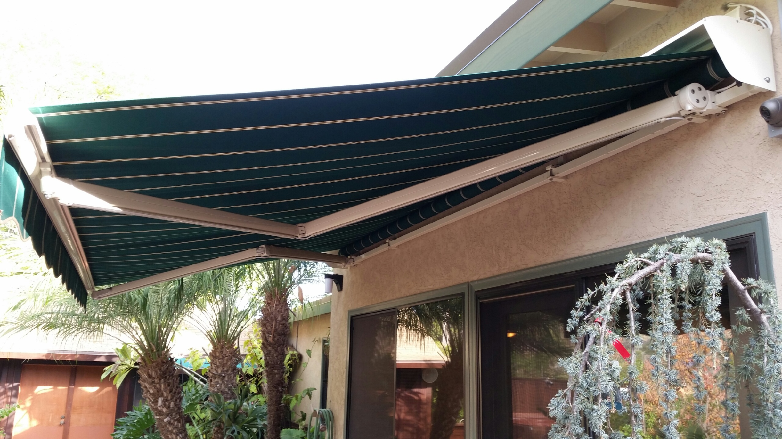 Retractable Awnings Gallery - Awnings and Sun Shades San ...